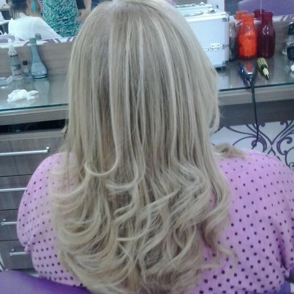Encanto de loiro  ombre hair, escova, dia-a-dia, festa, casamento cabelo  cabeleireiro(a)