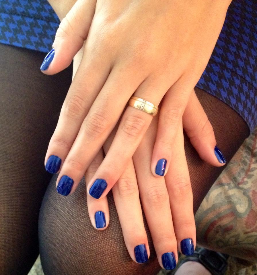 esmaltação simples, azul cremoso, dia-a-dia unhas  manicure e pedicure maquiador(a)