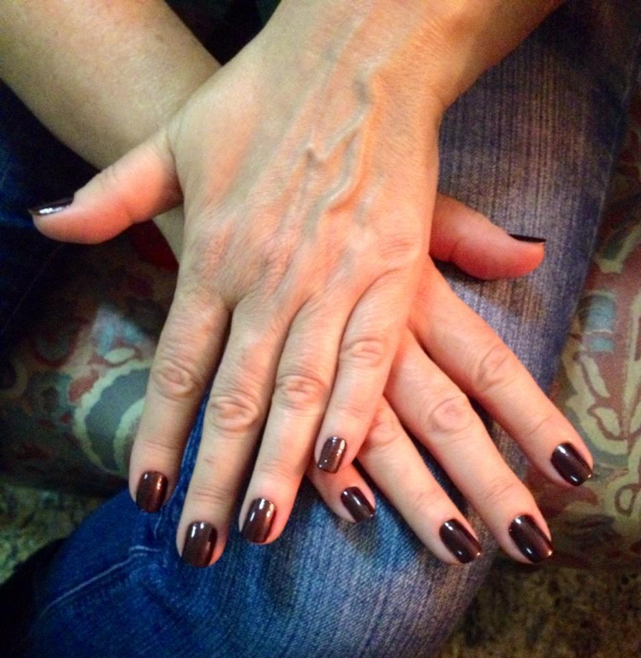 Esmaltação elegante, simples, escuro unhas  manicure e pedicure maquiador(a)