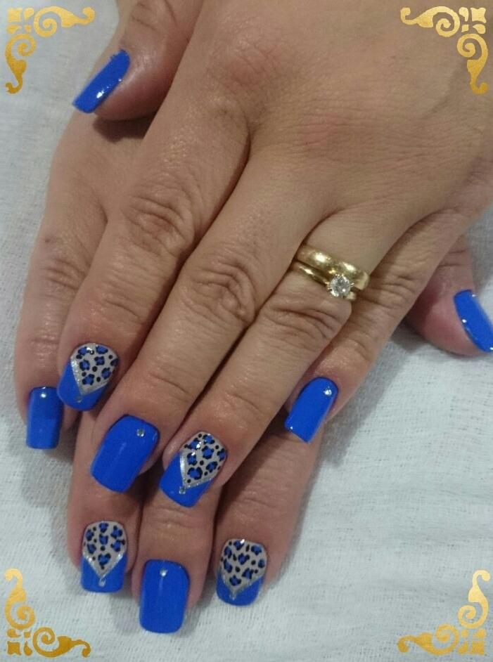 oncinha, decorada, azul cremoso unhas  maquiador(a) depilador(a)