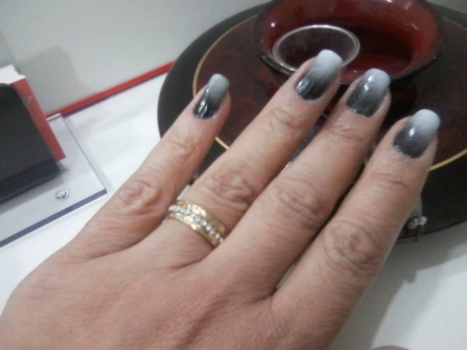 degrade branco e preto, festa unhas  manicure e pedicure