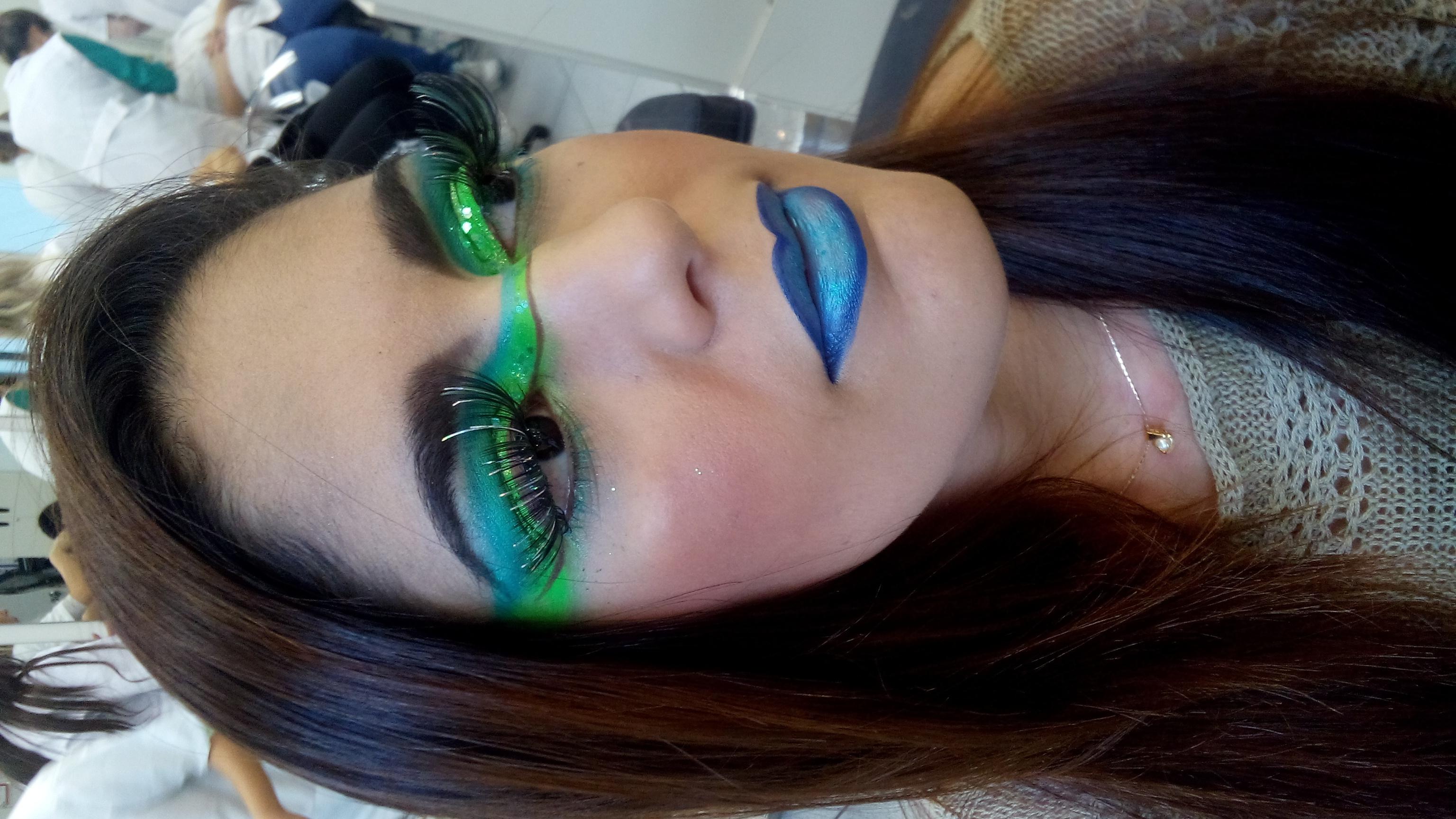 Maquiagem Artística Inspiração Aurora Boreal  maquiador(a) produtor(a)