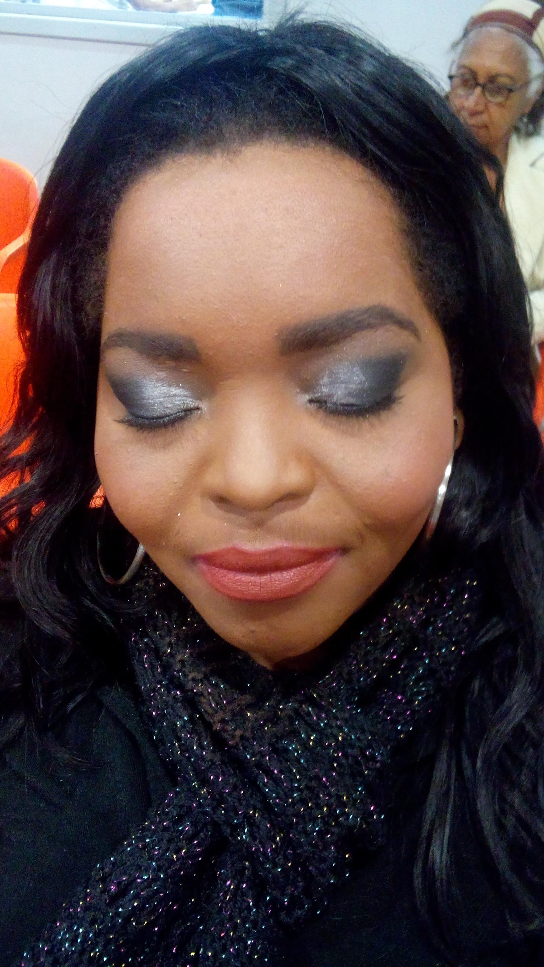 Maquiagem Pele Negra  maquiador(a) produtor(a)