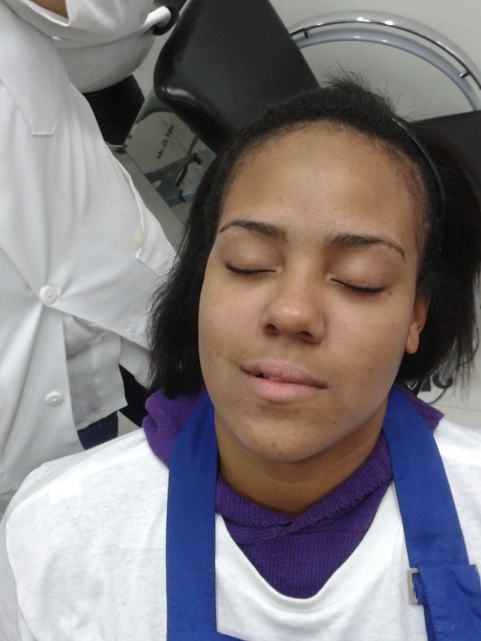 make-up baladinha. cabeleireiro(a) barbeiro(a) maquiador(a) designer de sobrancelhas depilador(a)
