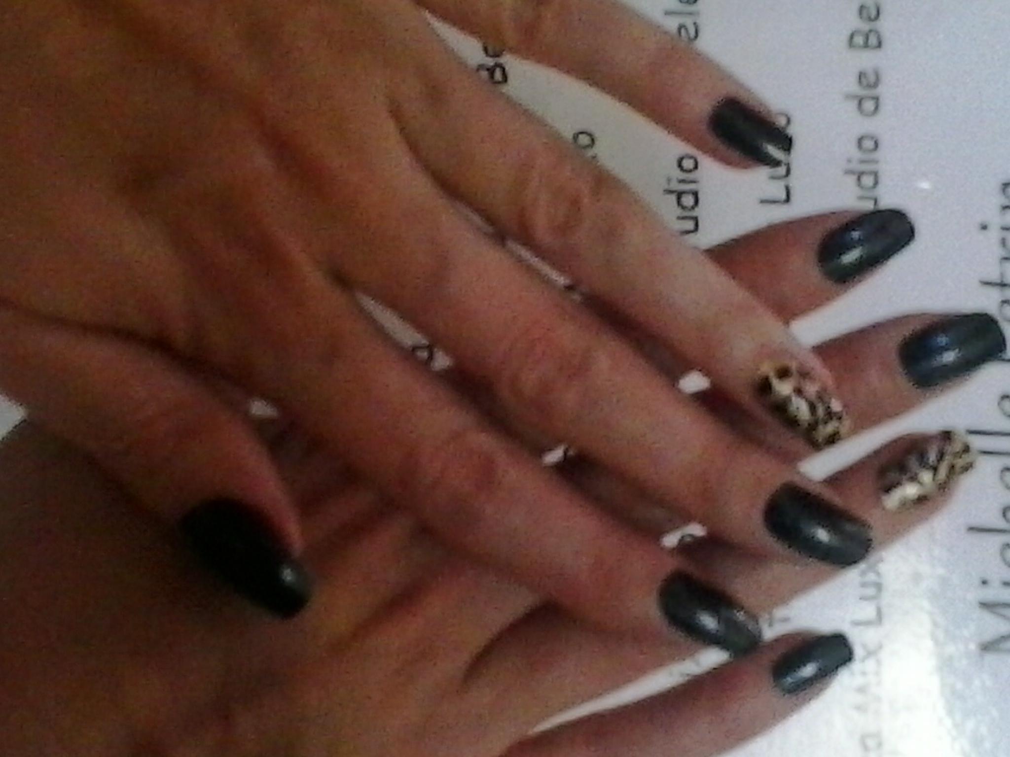 Unha artistica Unhas de oncinha. Manicure manicure e pedicure designer de sobrancelhas maquiador(a) micropigmentador(a)