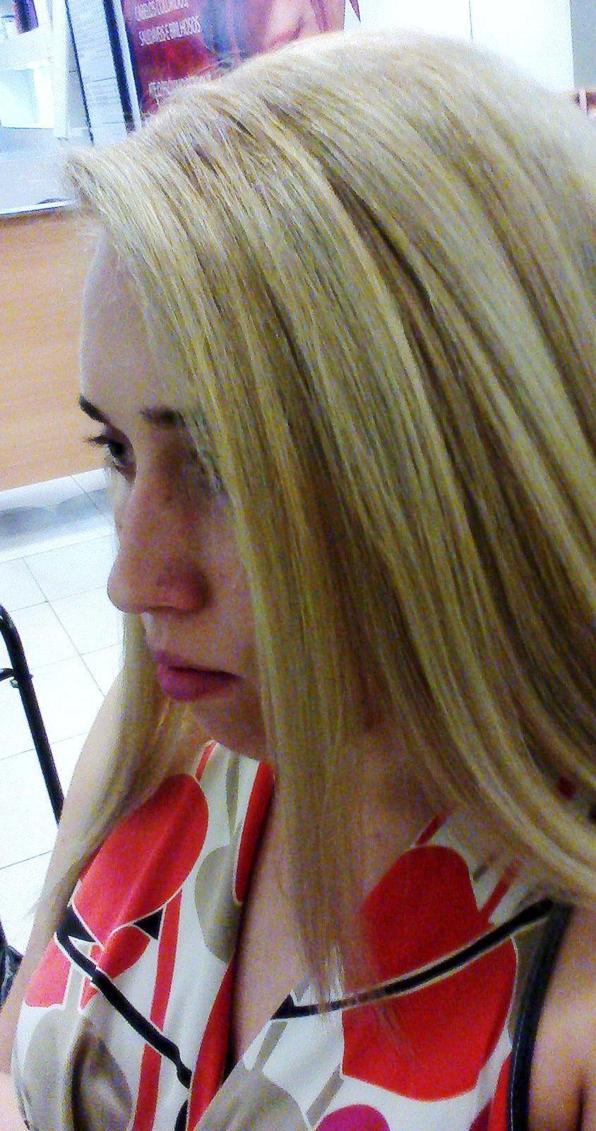 Coloração loiro ultra claro em uma base loira escura cabeleireiro(a) maquiador(a) consultor(a) em imagem