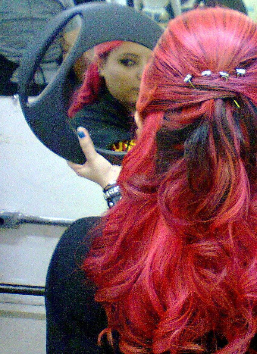 Penteado cabeleireiro(a) maquiador(a) consultor(a) em imagem
