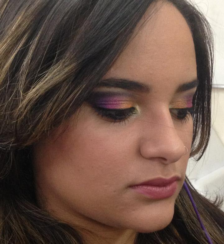 Make up Maquiagem para festa make colorida, festa, dia, simples maquiagem  cabeleireiro(a) maquiador(a) consultor(a) em imagem
