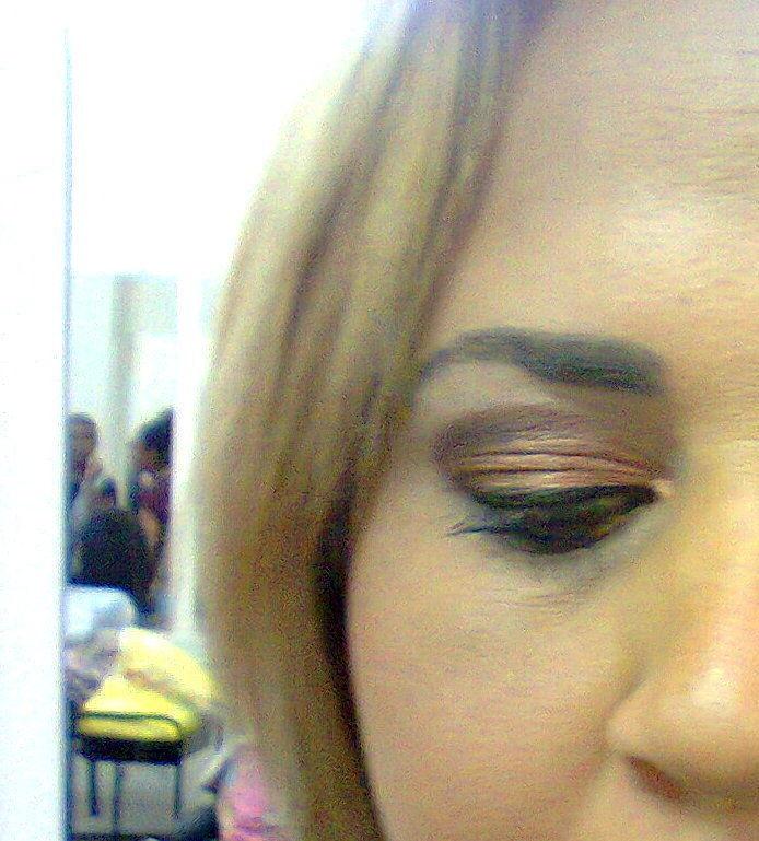 Make-up cabeleireiro(a) maquiador(a) consultor(a) em imagem