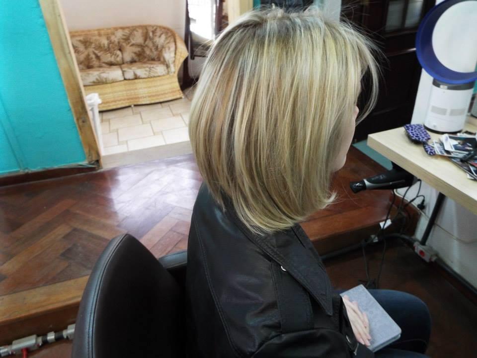 alisamento básico, cabelo curto, luzes cabelo  cabeleireiro(a)