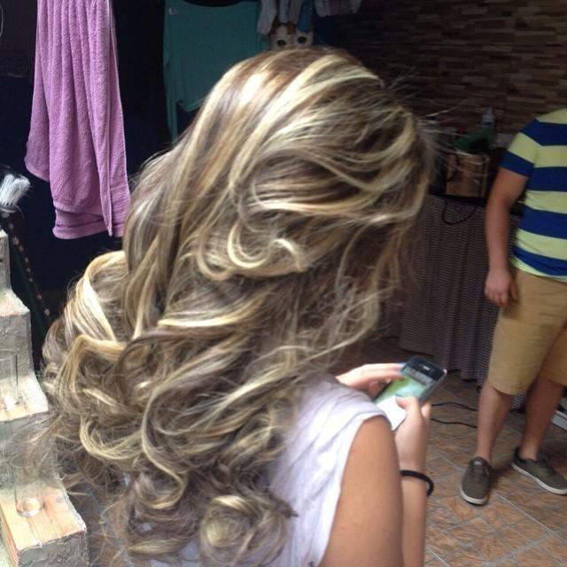 Trabalhos matizado, luzes, reconstrução, escova, dia e noite, dia-a-dia, ombre hair, degrade, balada cabelo  cabeleireiro(a) cabeleireiro(a)