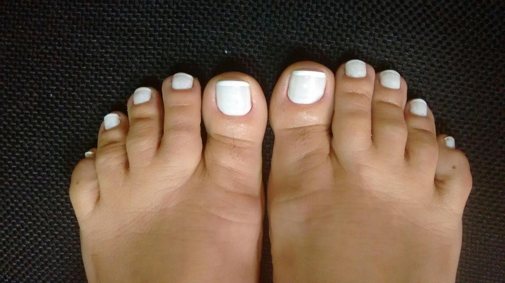 francesinha branca, básica, dia-a-dia unhas  manicure e pedicure