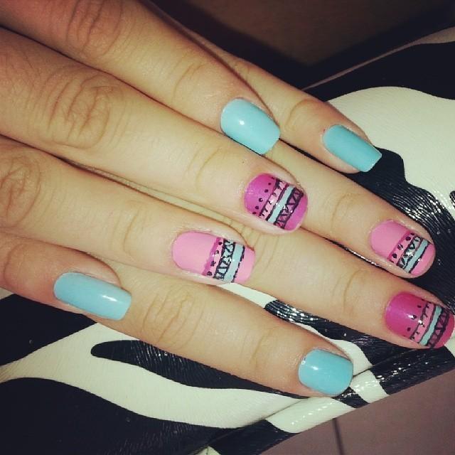desenhos astecas, azul e rosa, delicado, azul bebê, dia-a-dia unhas  maquiador(a) manicure e pedicure designer de sobrancelhas auxiliar cabeleireiro(a)