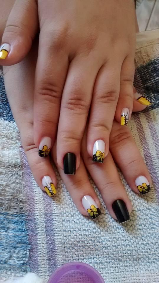 UNHAS LINDAS unha decorada, cadarço, lacinho amarelo,  unhas  manicure e pedicure depilador(a)