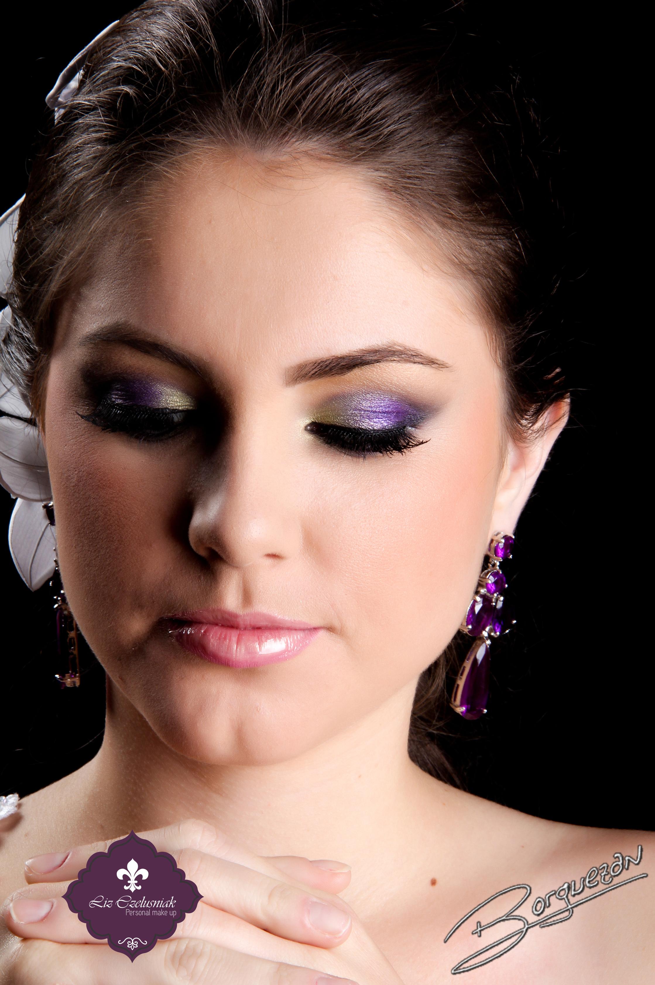 Noiva - Make e Hair by Liz Czelusniak MakeEsfumadoRoxo e Verde#PenteadoSemi-preso#Noiva#Casamento#by#LizCzelusniak esfumado roxo, noiva, casamento, básico maquiagem  maquiador(a) cabeleireiro(a) designer de sobrancelhas