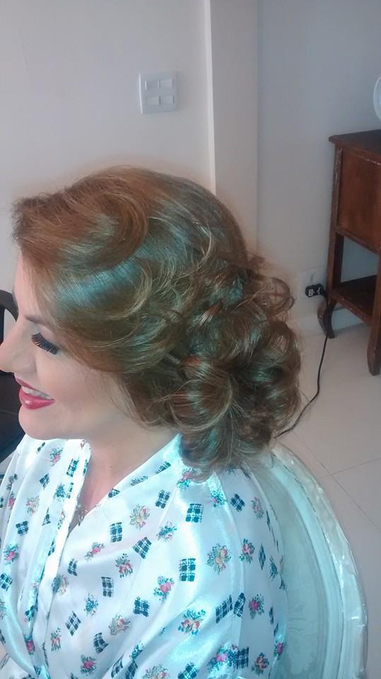 noivinha, casamento, madrinha, festa, noiva cabelo  maquiador(a)