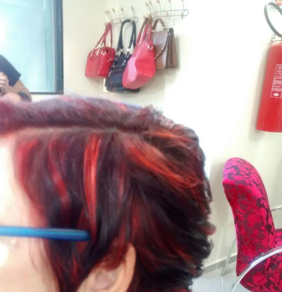 Corte e mechas marcadas stylist