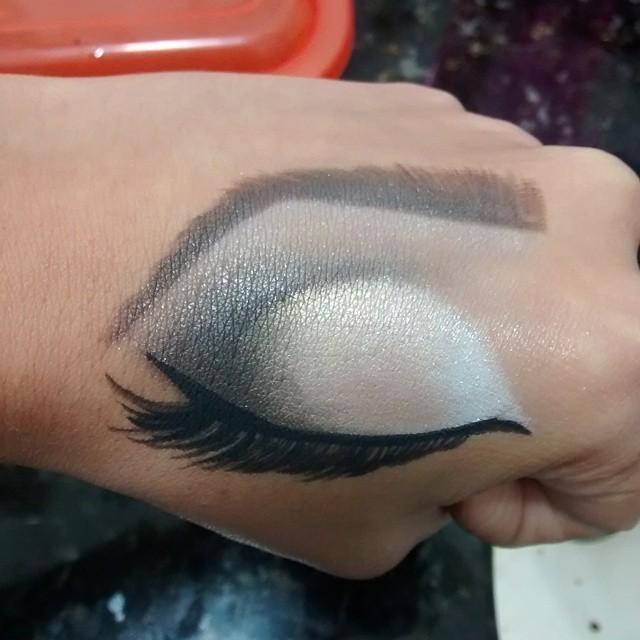 consultor(a) em imagem designer de sobrancelhas maquiador(a) manicure e pedicure depilador(a)