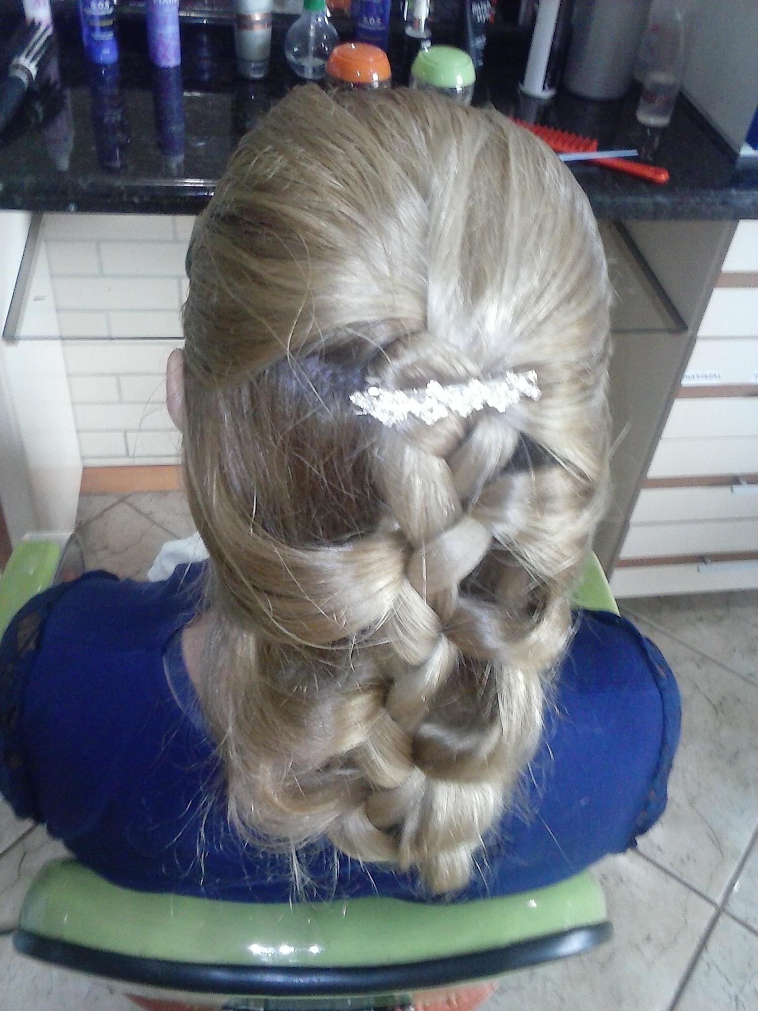trança trança, penteado, noiva, noivinha, casamento, debutante, formatura cabelo  cabeleireiro(a)
