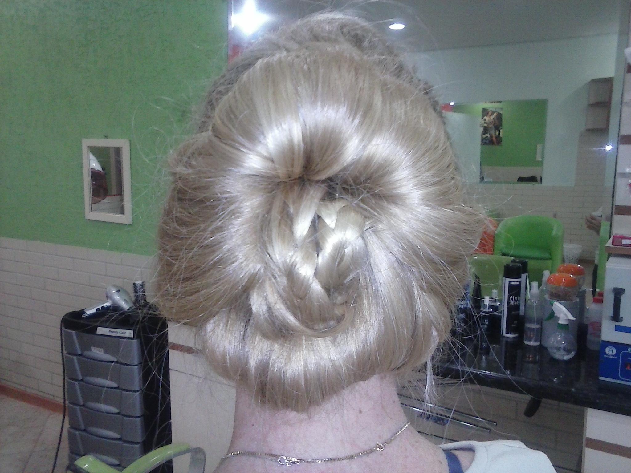 coque coque com trança, penteado, noiva, casamento, noivinha cabelo  cabeleireiro(a)