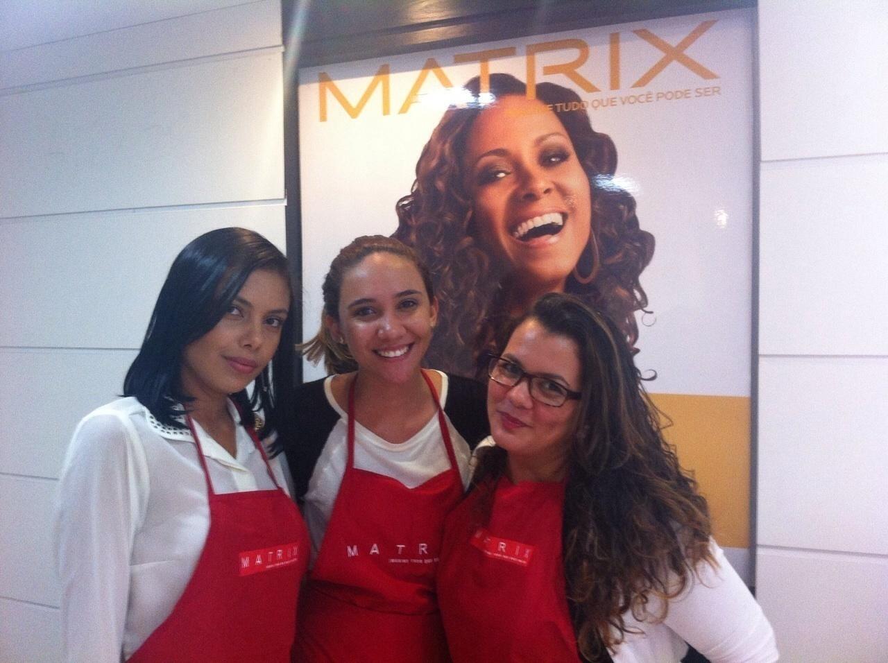 Curso Matrix maquiador(a) designer de sobrancelhas cabeleireiro(a)