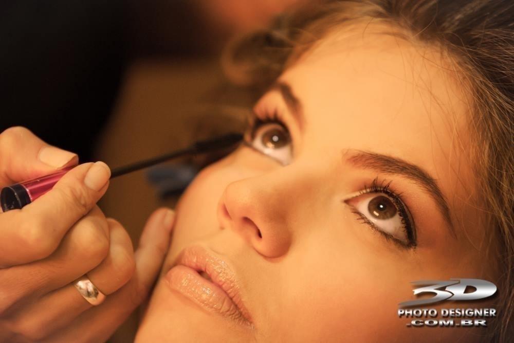 maquiador(a) escovista depilador(a) designer de sobrancelhas micropigmentador(a)