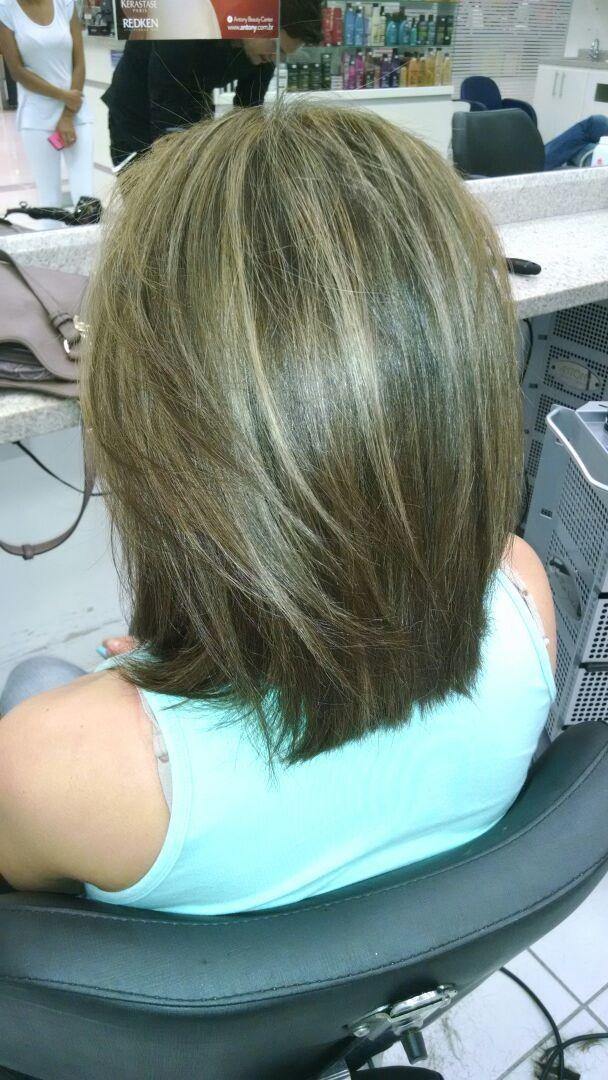Luzes naturais bege acinzentada Corte e td mais  cabeleireiro(a)
