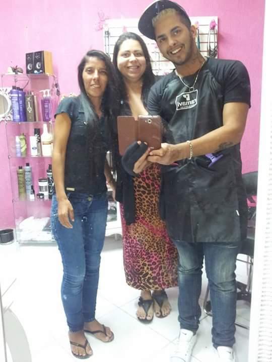 Cliente auxiliar cabeleireiro(a) telemarketing auxiliar cabeleireiro(a)