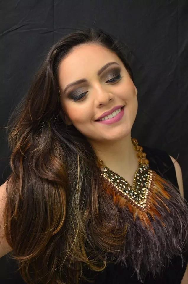 esfumado marrom, festa, casamento, balada, noite maquiagem  maquiador(a) designer de sobrancelhas