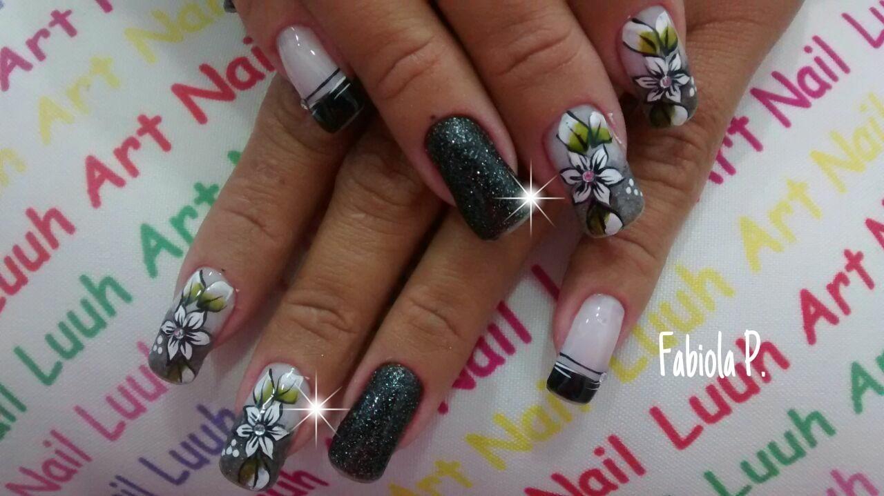 unha decorada, flor, preto com brilho, ideias unhas  manicure e pedicure