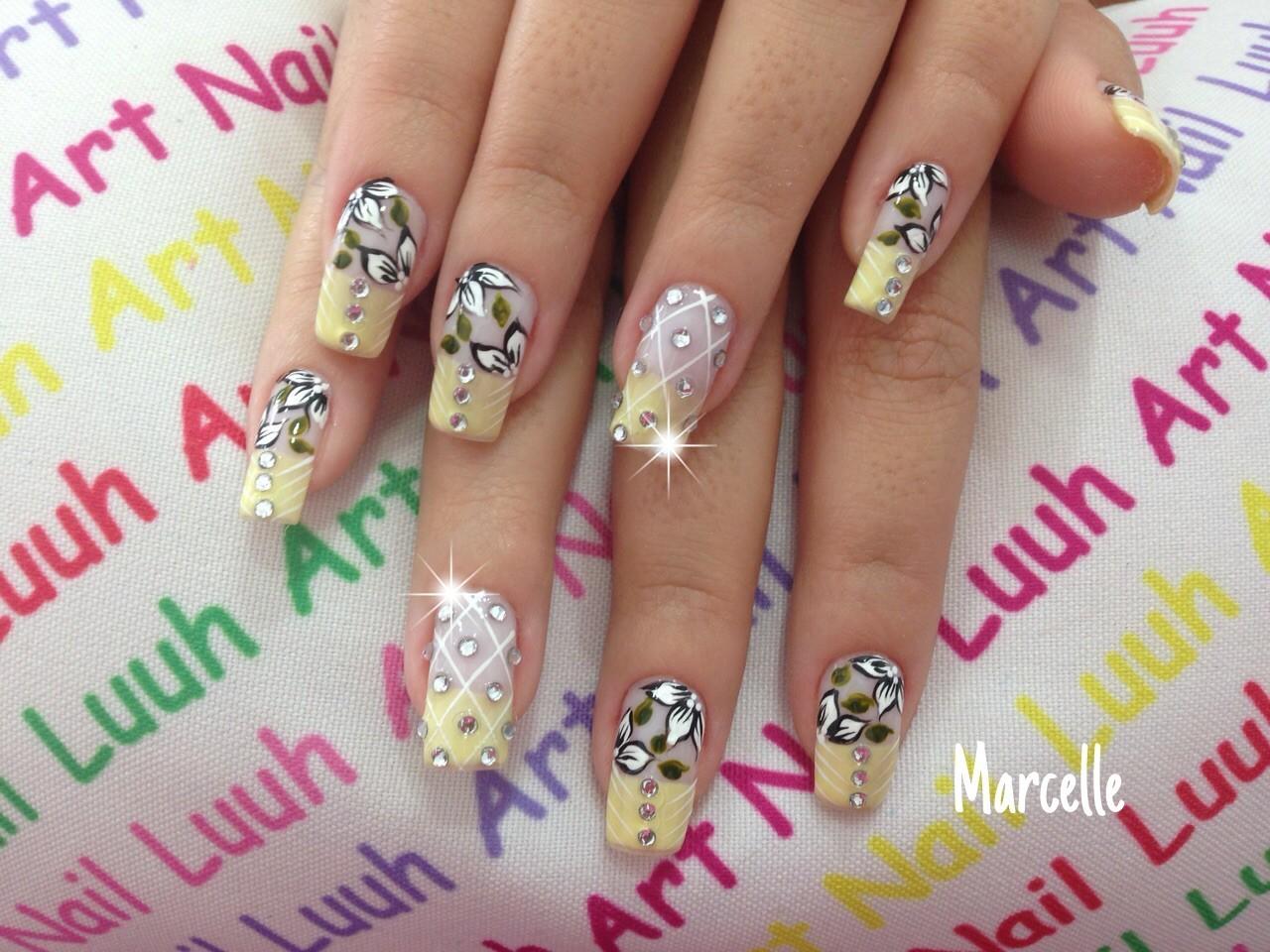 unha decorada, pedrinhas, flor, festa unhas  manicure e pedicure