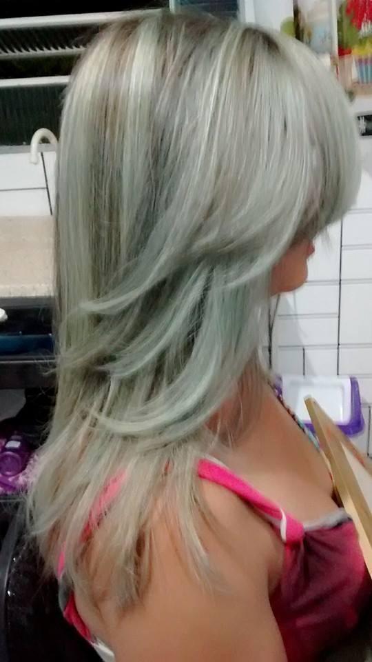 luzes acinzentadas cabeleireiro(a)