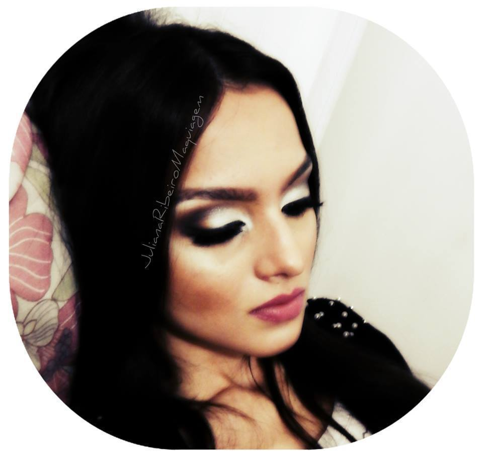 Maquiagem Noivas maquiador(a) designer de sobrancelhas