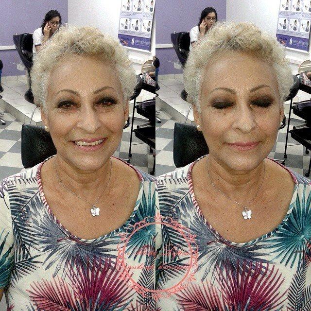 Maquiagem noite pele madura maquiador(a) escovista