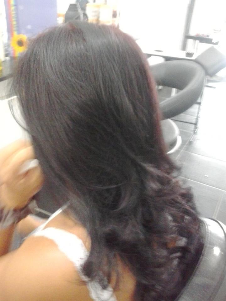 coloração vermelho com luzes pretas cabeleireiro(a) auxiliar cabeleireiro(a)