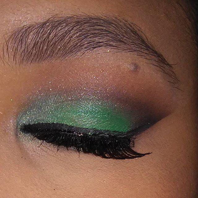 esfumado verde, festa, noite maquiagem  maquiador(a) auxiliar administrativo