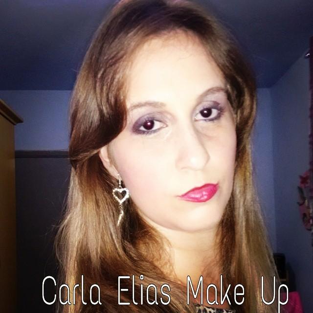 Maquiagem sombra beringela  maquiador(a)