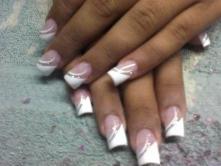 Desenho 19 unha decorada, branca com dourado unhas  manicure e pedicure