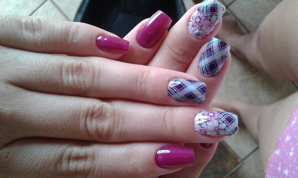 unhas perfeitas  Com muito amor e dedicacao rosa, xadrez, flores unhas  manicure e pedicure