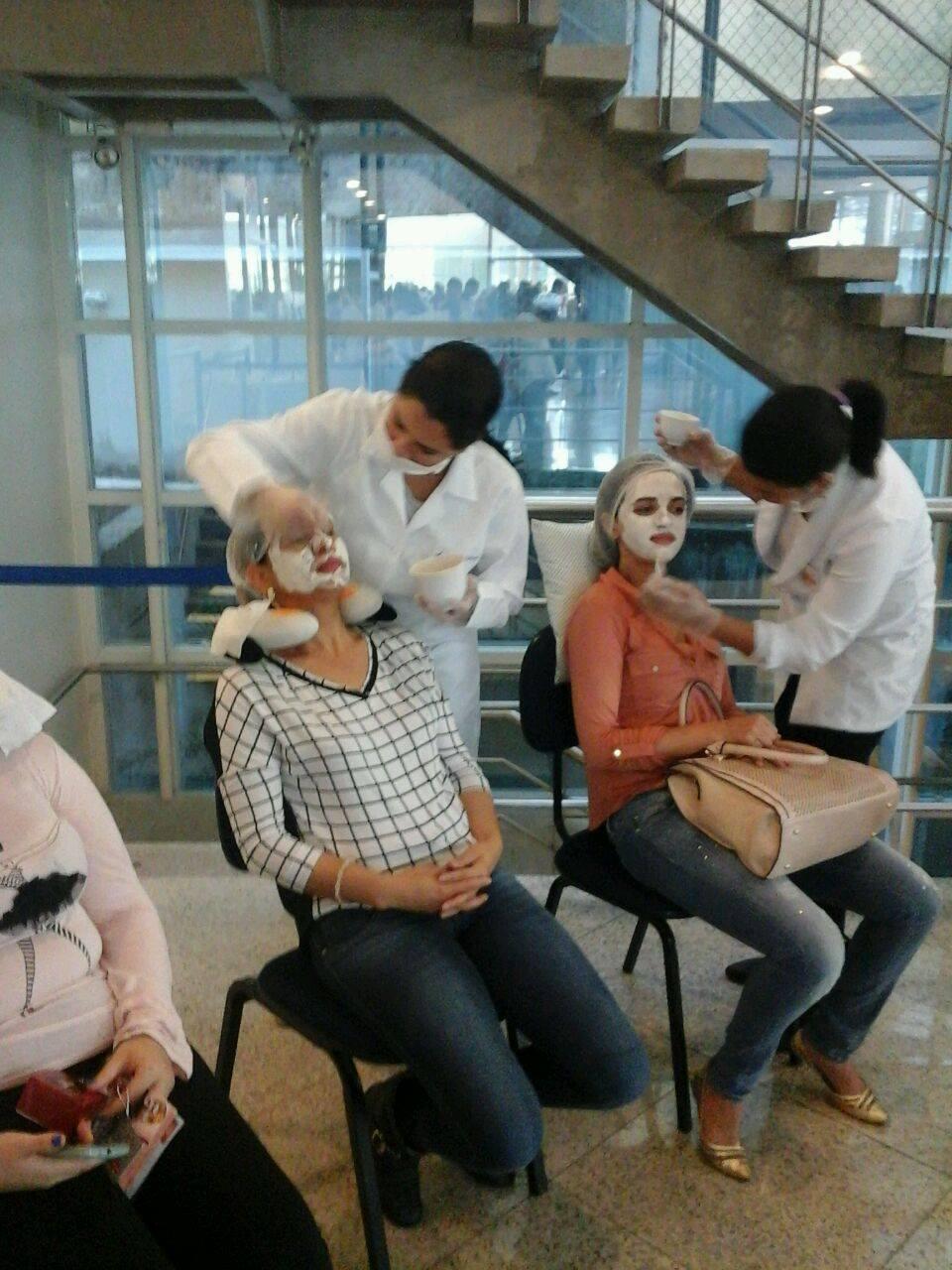 limpeza de pele cabeleireiro(a) depilador(a) designer de sobrancelhas manicure e pedicure assistente esteticista dermopigmentador(a)