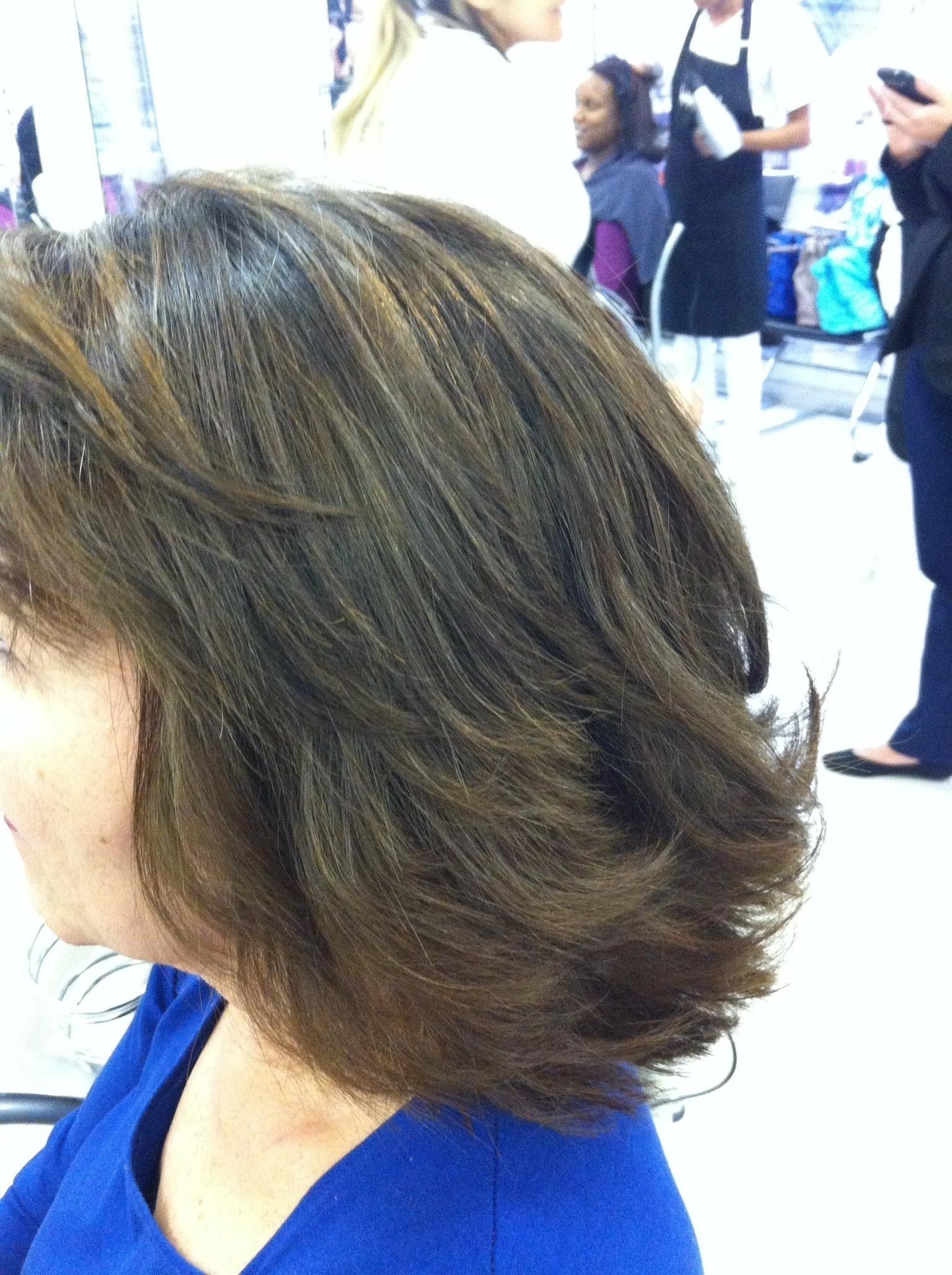 COLORACAO E CORTE cabeleireiro(a) maquiador(a)