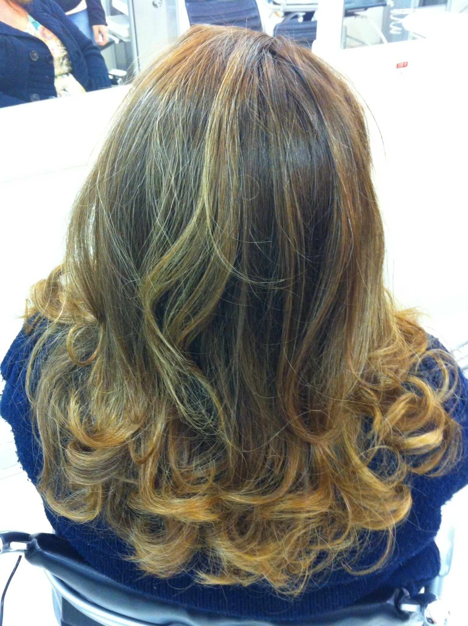COLORACAO COM CORRECAO DE REFLEXOS coloração, ombre hair, correção cabelo  cabeleireiro(a) maquiador(a)