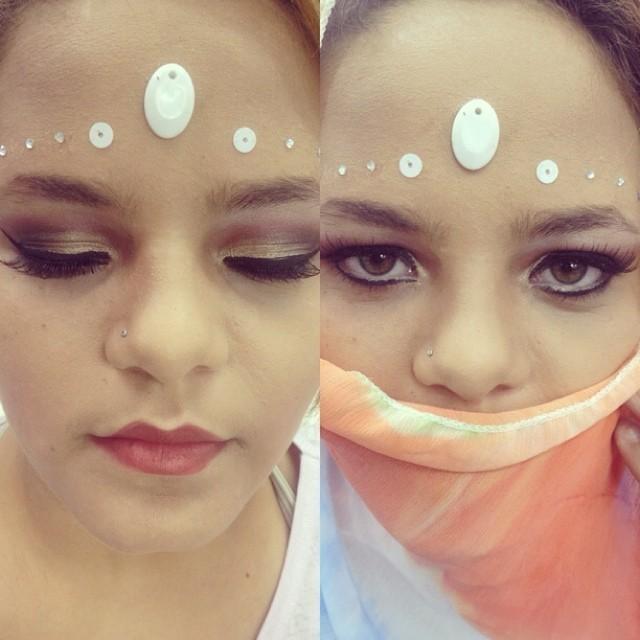 Make up Maquiagem realizada durante o curso de maquiador profissonal no instituto embelleze. Aula de maquiagem indiana. * A sobrancelha da modelo não passou por transformação. esteticista recepcionista designer de sobrancelhas maquiador(a)