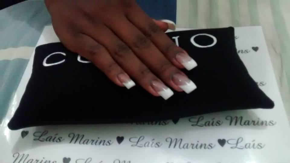 Alongamento em Acrigel com Francesa Definitiva manicure e pedicure maquiador(a)