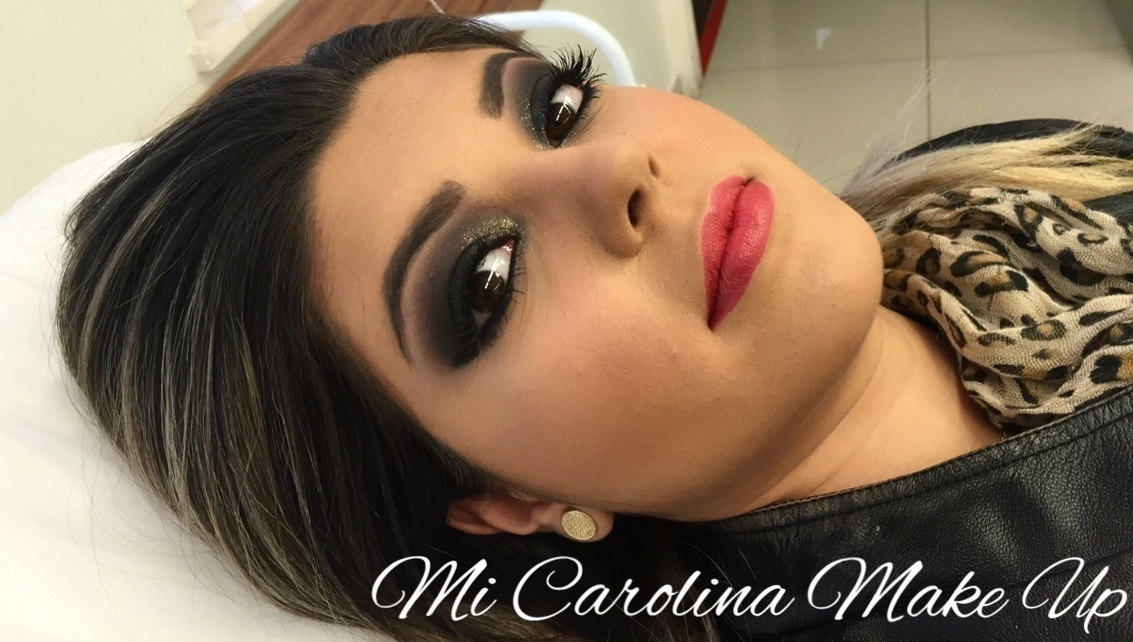 Make Up (19) 3876-0925 / (19) 9.8109-9521 esfumado preto, rock, brilho, balada maquiagem  maquiador(a)