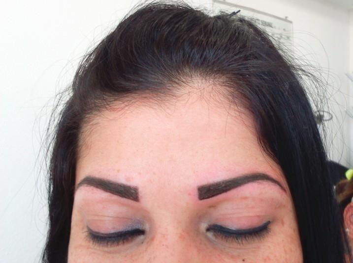 Sobrancelhas (Micropigmentação) #retoquesobrancelha depilador(a) designer de sobrancelhas micropigmentador(a)