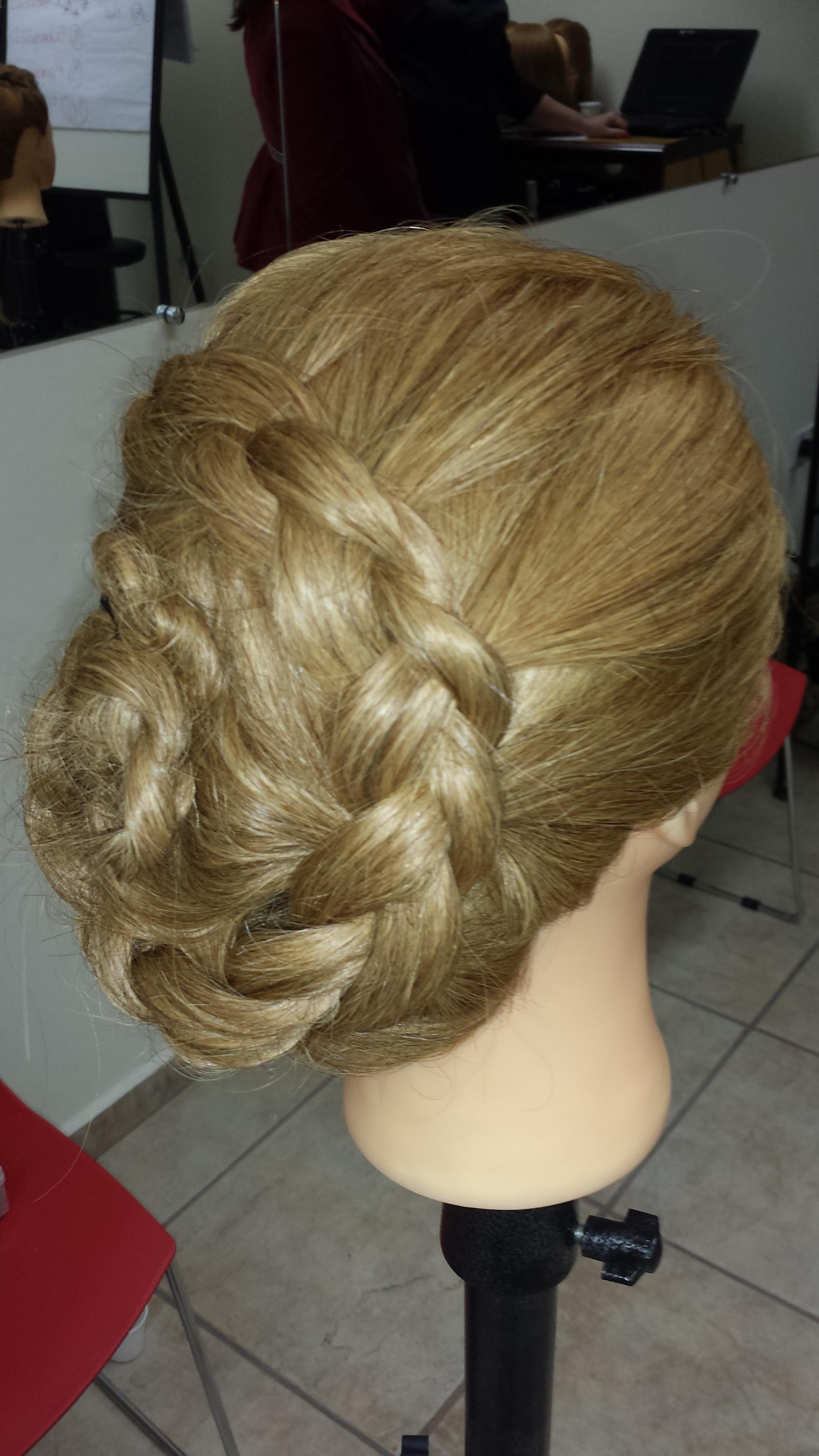 Penteados dcom tranças cabeleireiro(a)