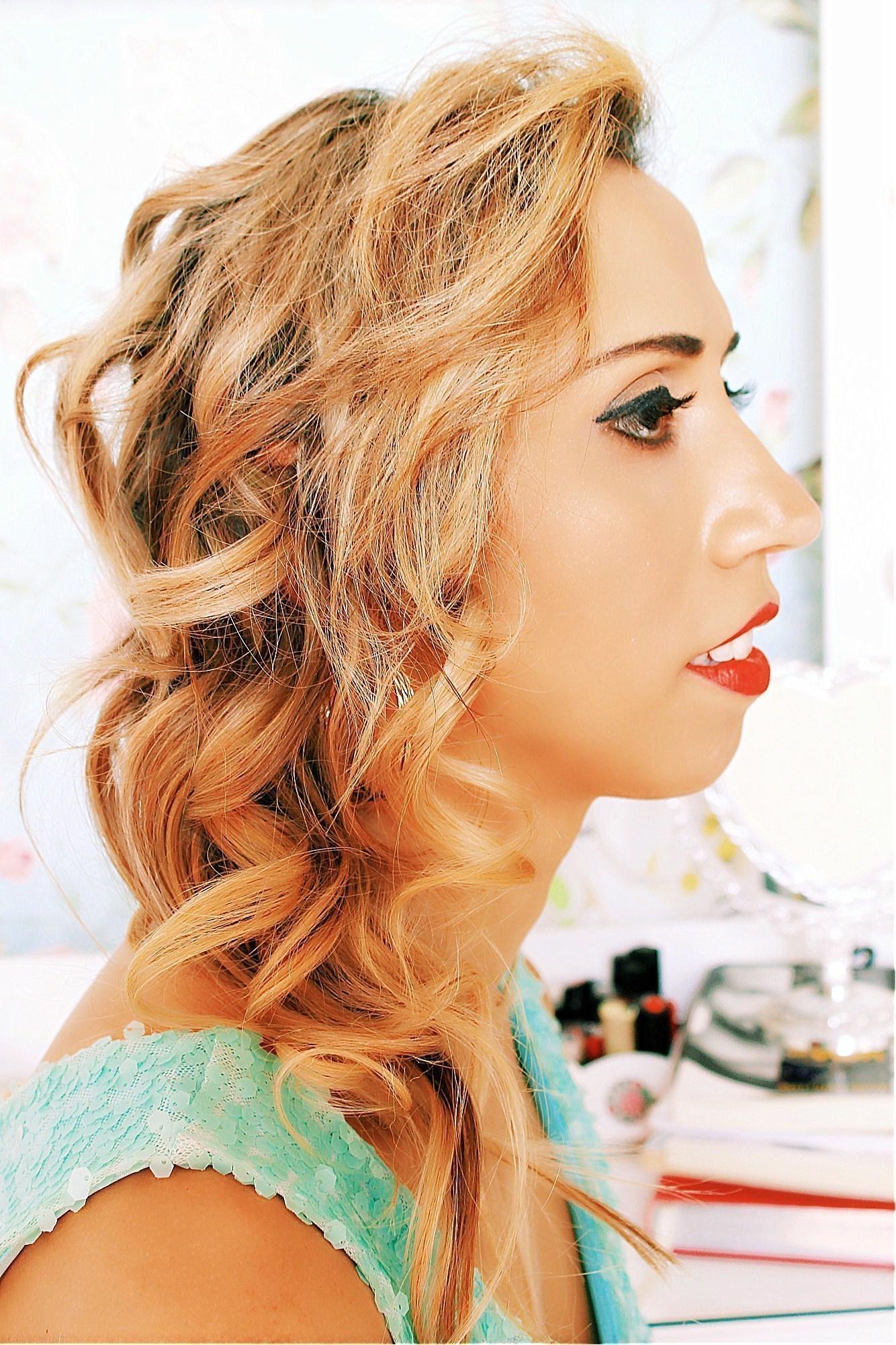 Make para festa/casamento/formatura Maquiagem e cabelo feitos por mim, no entanto, não sou cabeleireira. maquiador(a)