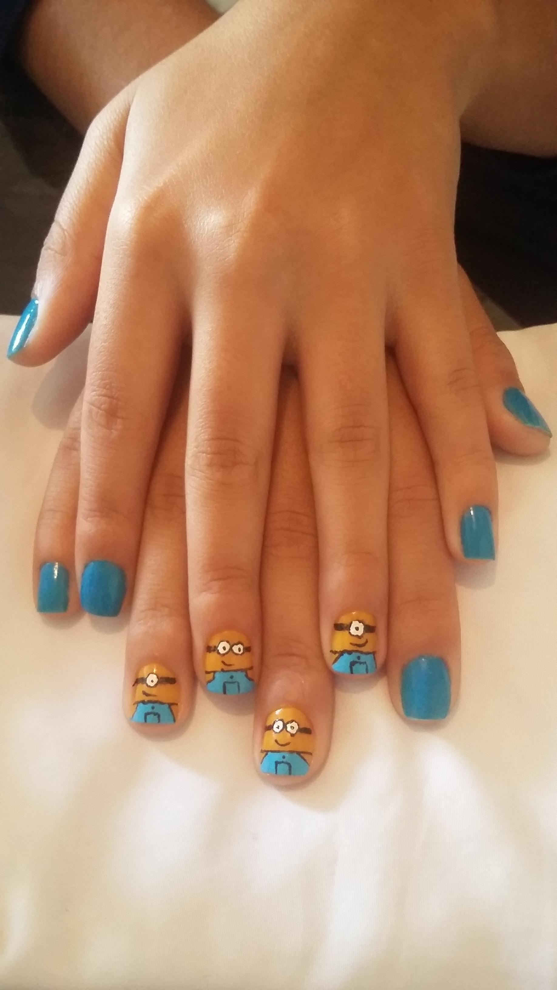 Unhas dos Minions manicure e pedicure