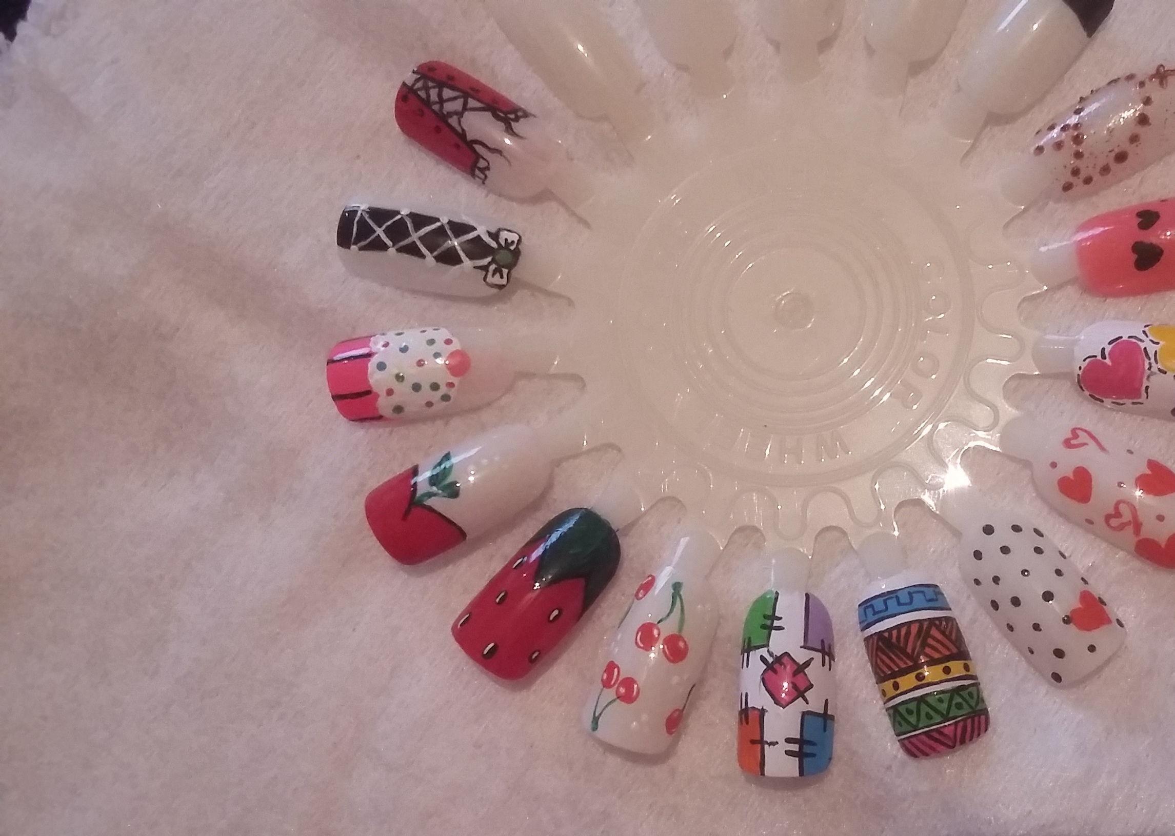 Algumas decorações que eu faço. manicure e pedicure